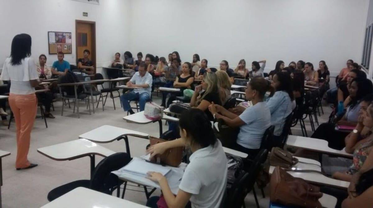 Colóquio com a temática Diversidade Cultural no Contexto Escola