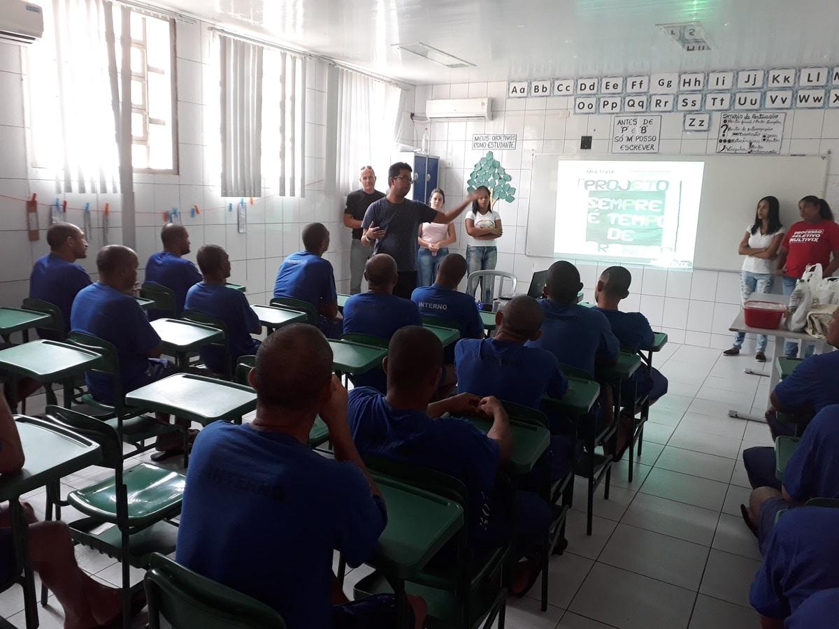 Faculdade Multivix reinicia atividades do projeto de Alfabetização