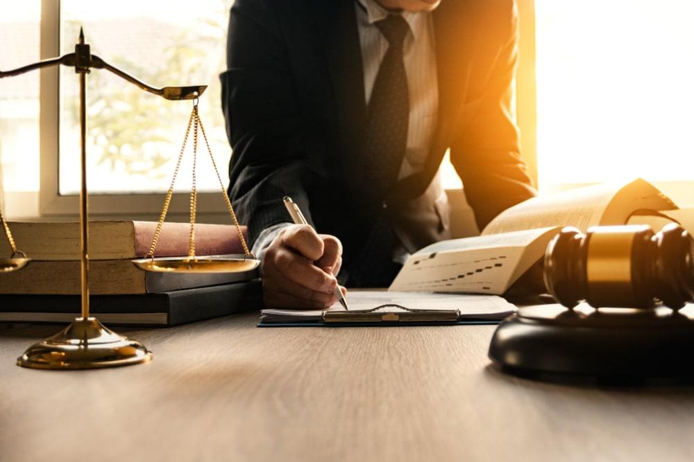 Quanto custa para fazer uma faculdade de Direito?
