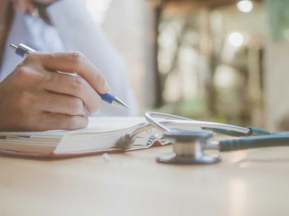 Quanto custa uma faculdade de enfermagem?