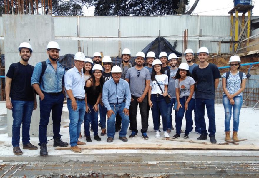 Alunos de Engenharia Civil da Faculdade Multivix realizaram visita técnica em obra 0001