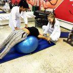 """Alunos do curso de Fisioterapia da Faculdade Multivix unidade de Vitória promovem projeto """"Assistência à Saúde do Trabalhador - Estamos ao seu lado""""."""