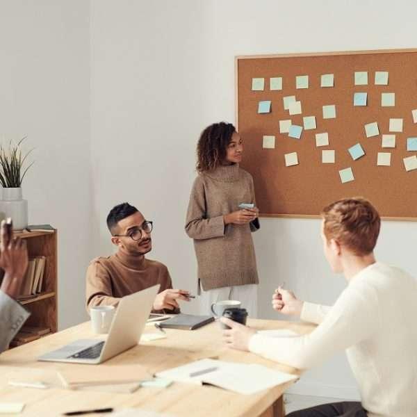 O Tecnólogo em Marketing oferece um campo de atuação amplo, com diversas oportunidades no mercado, seja dentro de empresas ou no universo empreendedor.