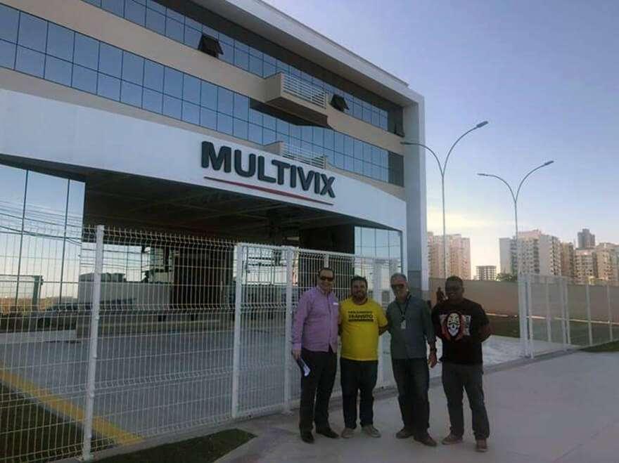 Implantação de ponto de ônibus em Vila Velha